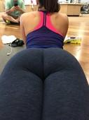Girls in Yoga Pants 2609