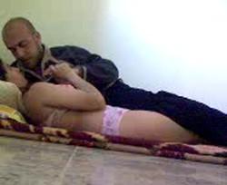 الفيلم الكامل لطالبة مراهقة تتقطع نياكة من زميلها فى شقة مفروشة
