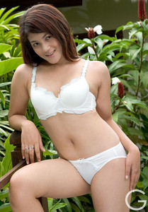 Fifi - Foto Hot Bugil Model Indonesia